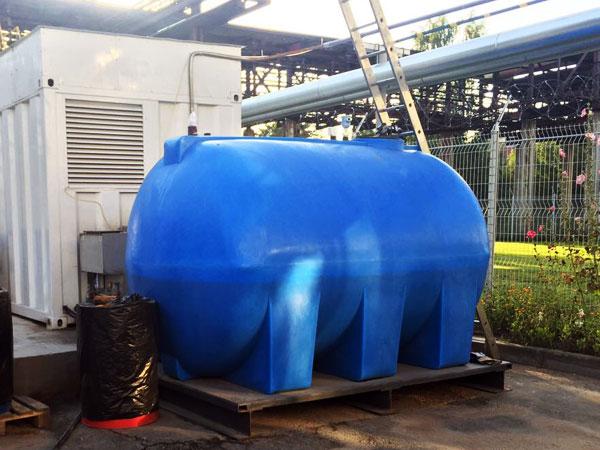Пластиковая емкость для воды на 10 кубов